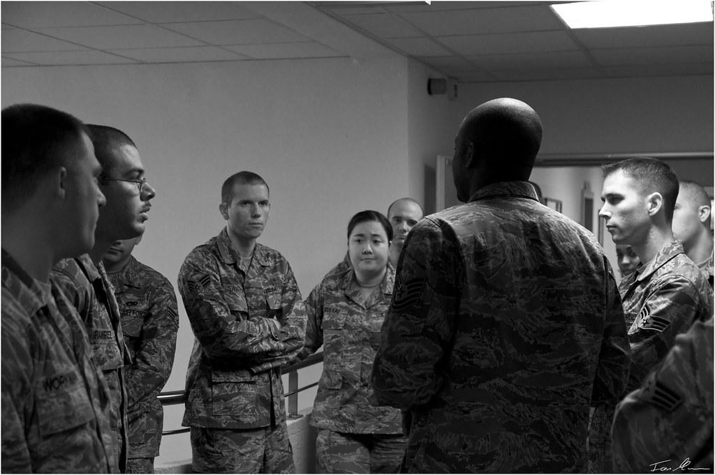 Briefing.