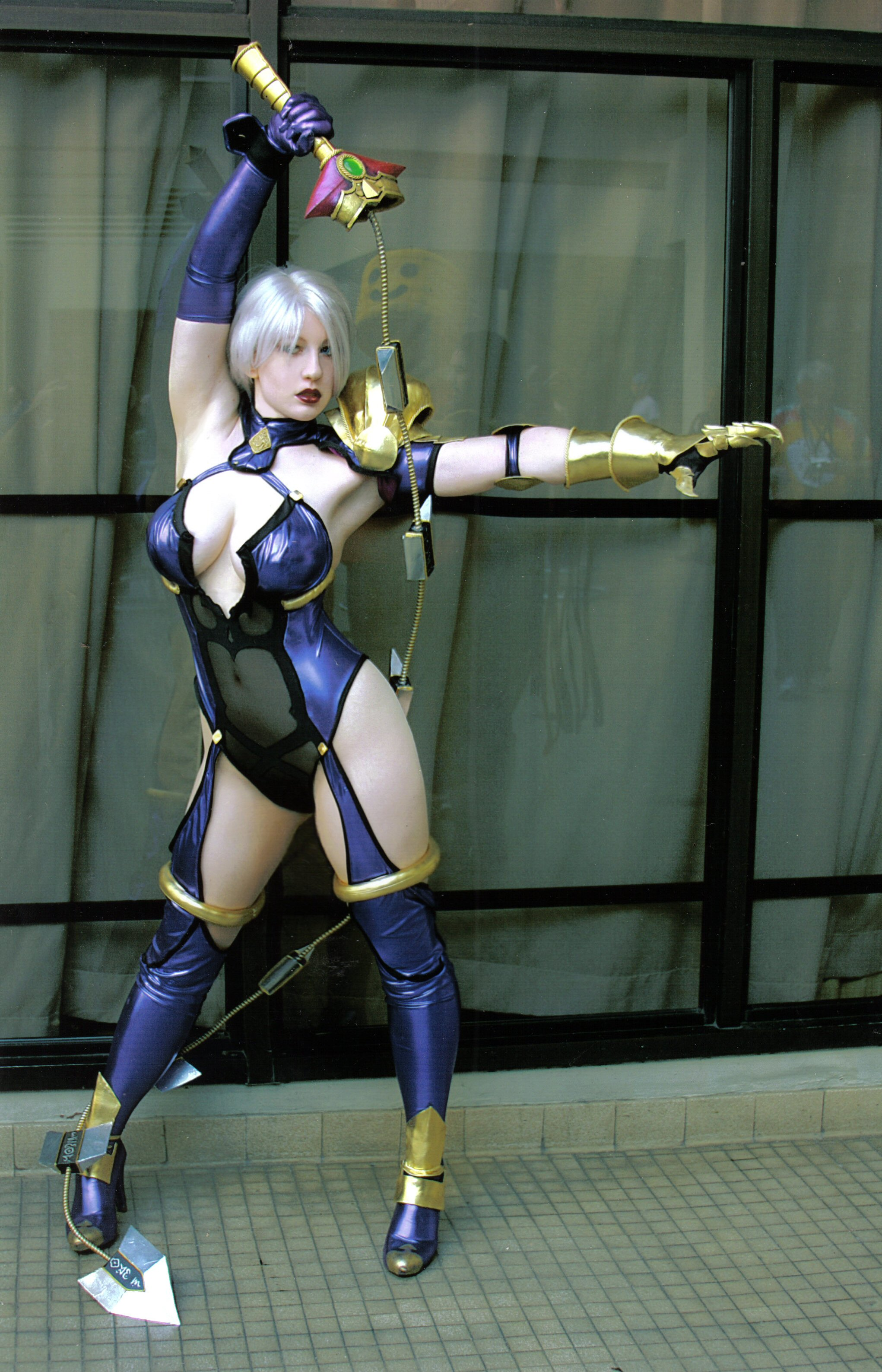 Makoto street fighter cosplay