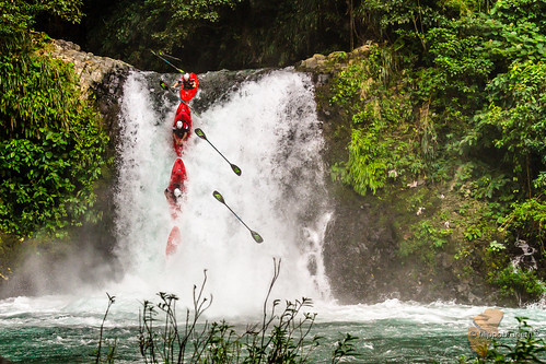 mexico waterfall kayak kayaking bigbanana exo tlapacoyan molmenti danielemolmenti filippobrunetti