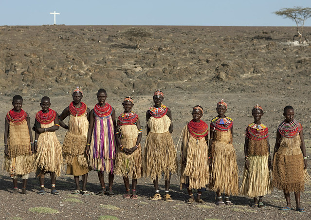 El Molo women with straw skirts - Kenya