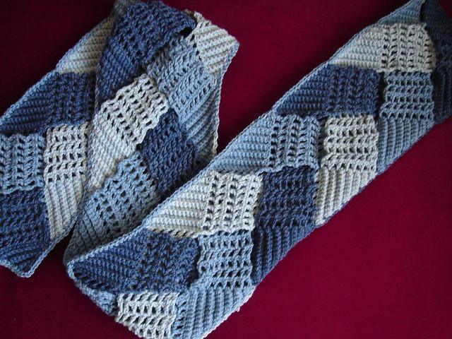 braid scarf, Sony DSC-L1