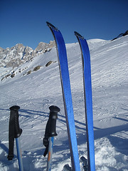 ski equipment, winter sport, mountain, winter, ski, skiing, piste, sports, snow, mountain range, ski touring, extreme sport, ski mountaineering, blue, downhill, nordic skiing,