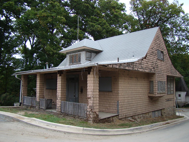 American bungalow national park seminary flickr photo for American bungalow collection