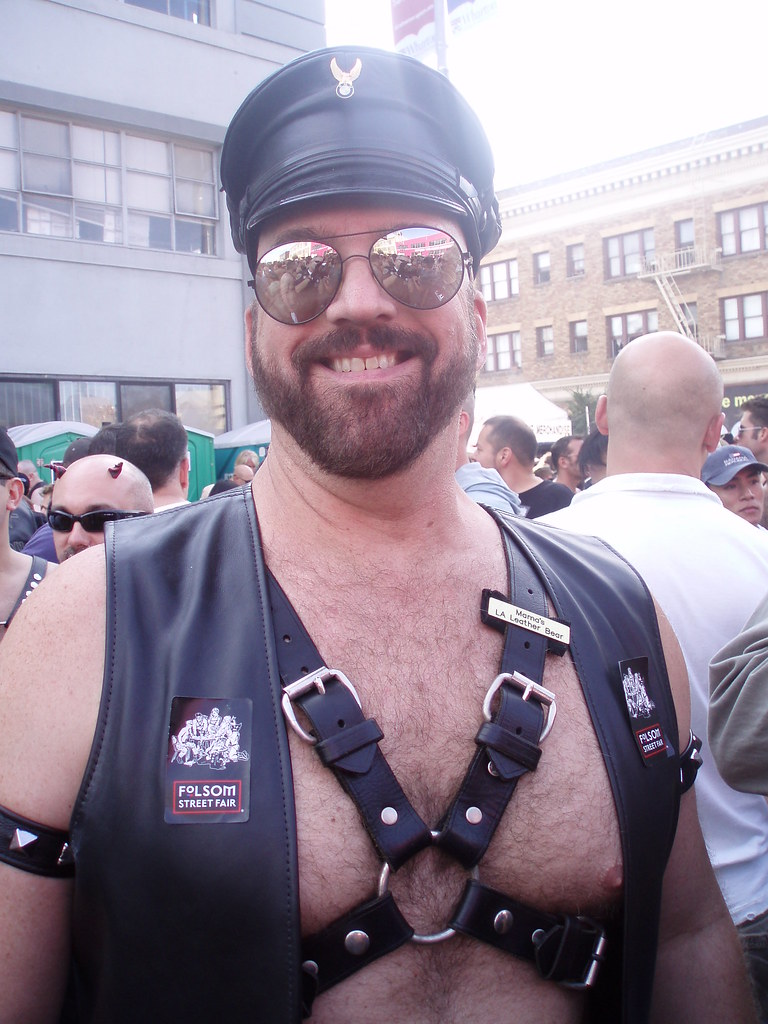 HANDSOME BEARDED BEARMAN ! ~ FOLSOM STREET FAIR 2009 ! ( safe photo )
