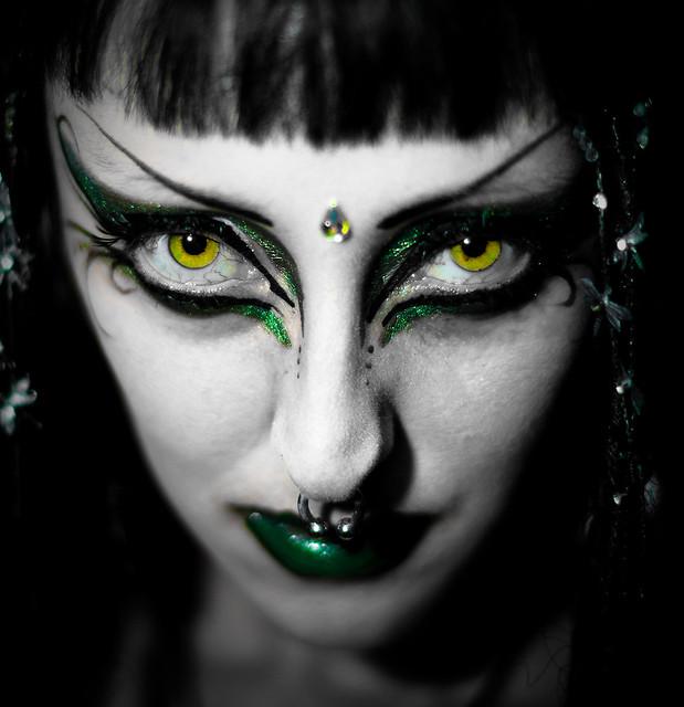 cat eye, eyeliner, goth, winged, wing, septum,