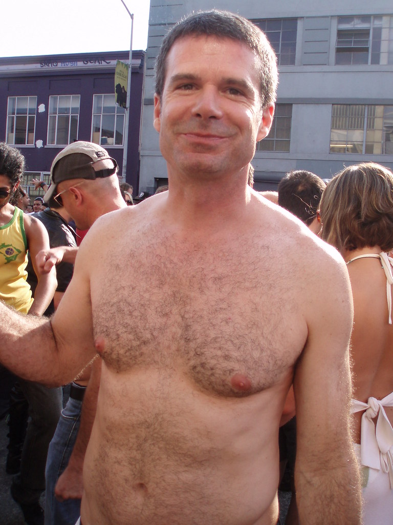 HELLA CUTE HAIRY BEARMAN ! ~ FOLSOM STREET FAIR 2009 ! ( safe photo )