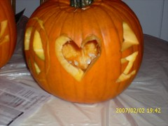 jack-o'-lantern(0.0), carving(1.0), orange(1.0), pumpkin(1.0), halloween(1.0), calabaza(1.0), winter squash(1.0),