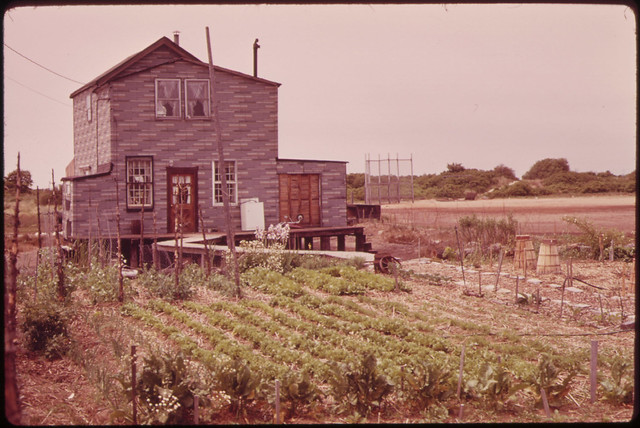 Broad Channel, Marginal Land in Jamaica Bay near the JFK Airport. 05/1973