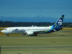 Alaska Airlines –  Boeing 737-890 N597AS @ Seattle Tacoma