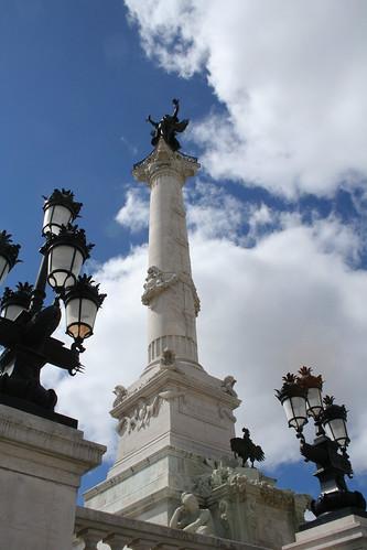 2008.08.04.067 - BORDEAUX - Place des Quinconces - Monument aux Girondins