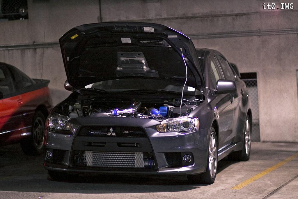 Car garage meet evolutionm mitsubishi lancer and for Garage auto evo milizac