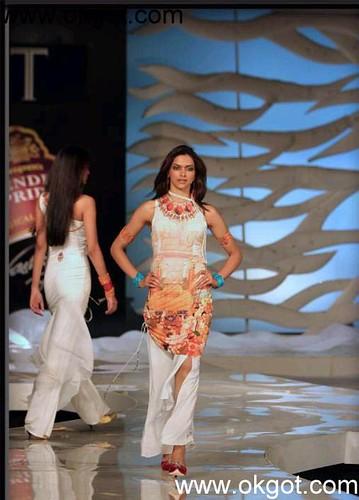 hindi actress pictures Deepika Padukkone donna karan fashion