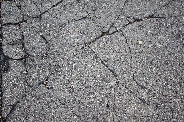 cracked - a gallery on...