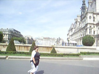 Riding towards the Champs Élyées...