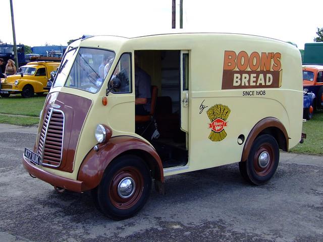 Morris J1 Bread van
