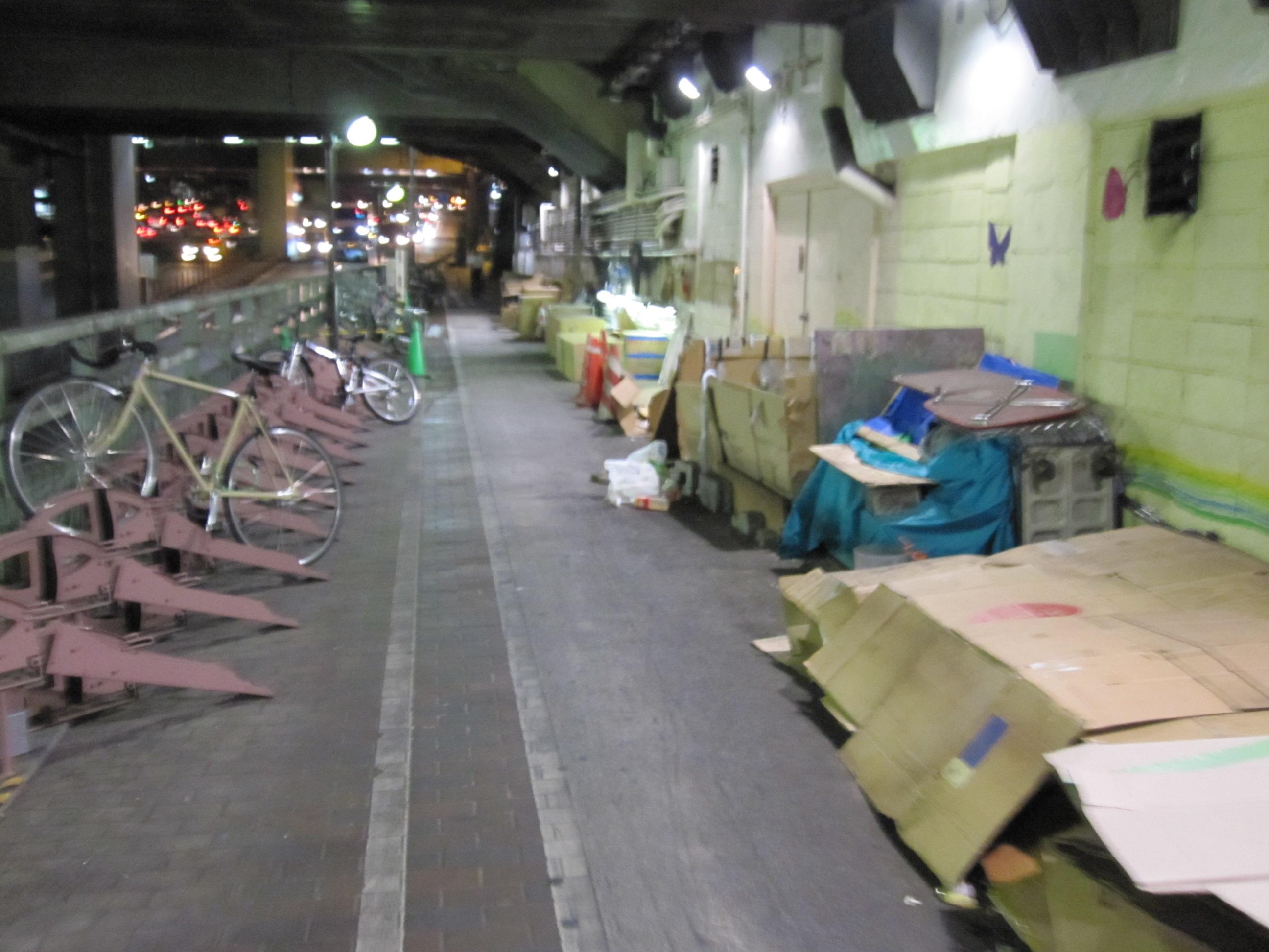 【国内】「早く来いよ!ふざけるなてめえ」泣き叫ぶ幼児を女性が「蹴り倒す」動画・・・渋谷駅で撮影された「児童虐待」衝撃の現場★6YouTube動画>7本 ->画像>74枚