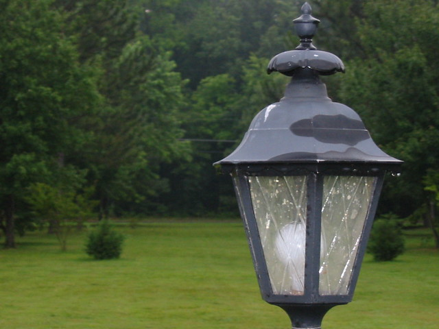 lamp post in my mom 39 s front yard flickr photo sharing. Black Bedroom Furniture Sets. Home Design Ideas