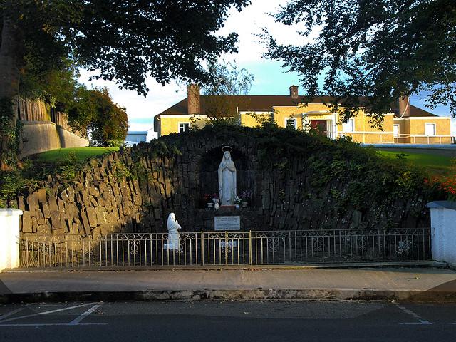 Marian Shrine, Carrick Road