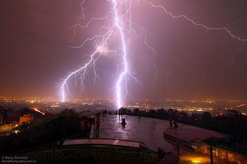 city storm rain weather night cg close fork brisbane bolt lightning severe streamer