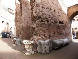صورة Colosseum قرب Roma Capitale. trip20170208 rzym roma muzeumwatykańskie colosseum geo:lon=12491725 geo:lat=41890003