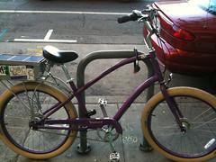 road bicycle, wheel, vehicle, bmx bike, sports equipment, cycling, land vehicle, bicycle,