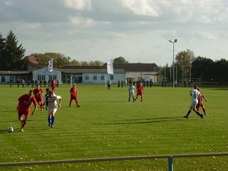 Fußballplatz: Angriff