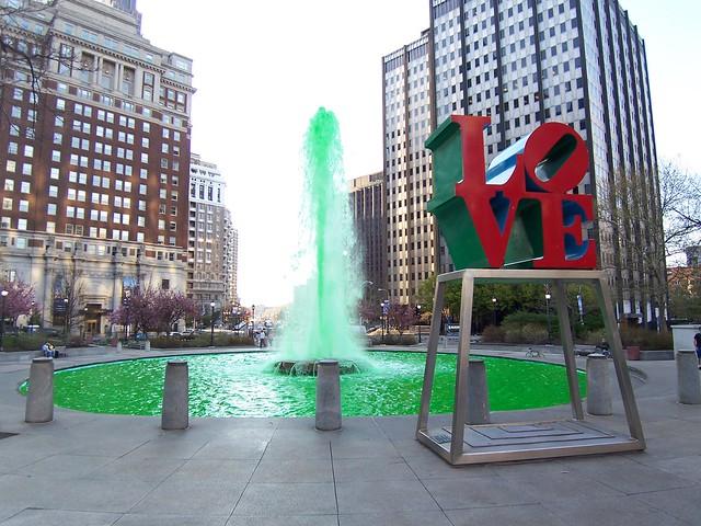 love fountain turns green