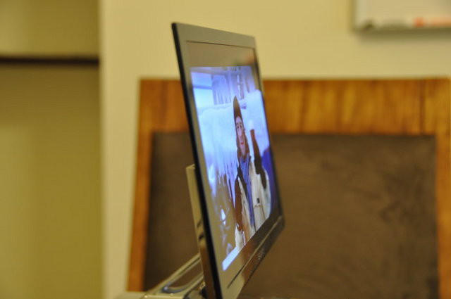 Sony XEL-1 OLED TV side