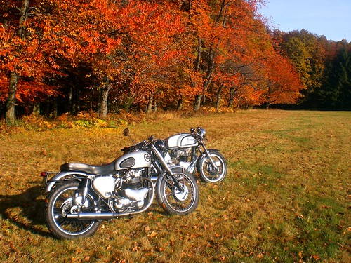 BSA A7 Shooting Star & Triton 650 by Michel 67