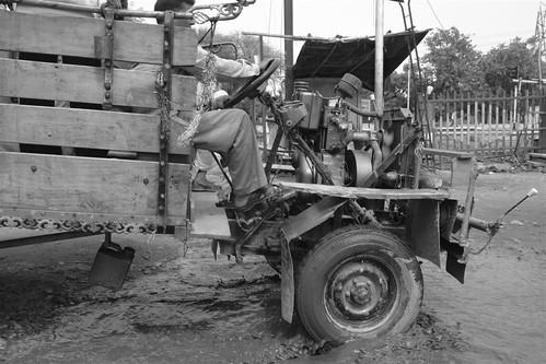 Camión a motor descubierto, típico. Karauli, el día que me convertí en un Maharajá en la India - 4172565620 d230e9bdff - Karauli, el día que me convertí en un Maharajá en la India