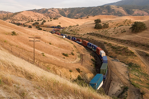 california mountains train canon outdoors trains socal unionpacific canondslr tehachapi railroads alltrains movingtrains kenszok