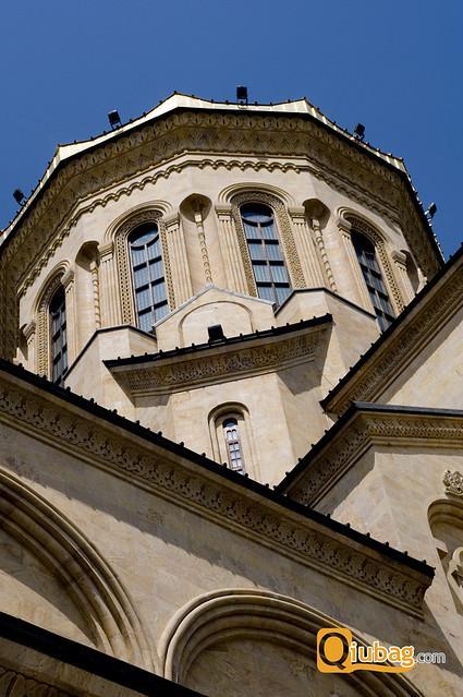 Wieża kościoła Sameba w Tbilisi