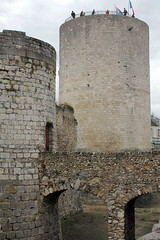 Château de Dourdan: le donjon et l'entrée nord
