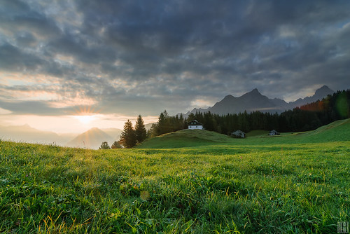 morning mountain sunrise landscape geotagged österreich alp bludenz aut greengrass tschengla vorarlberg morningspirit bluegreenandorange naturaltouch geo:lat=4714443351 geo:lon=975911961