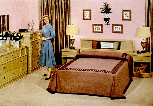 Mid century living early 39 50s bedrooms 1950 55 for Retro 60s bedroom ideas