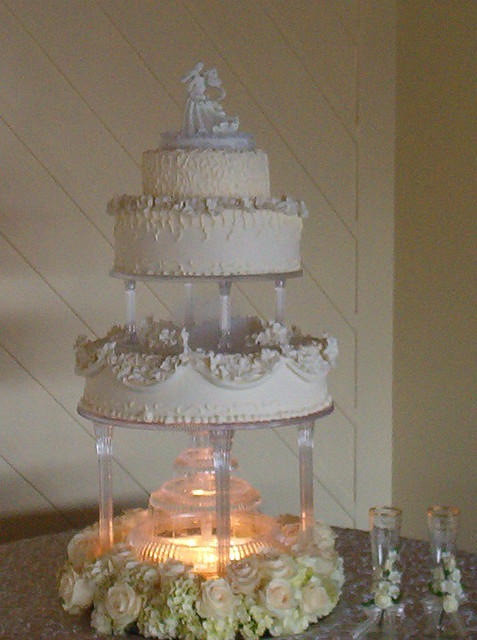 lighted wedding cake fountain lighted wedding cake flickr photo 16863