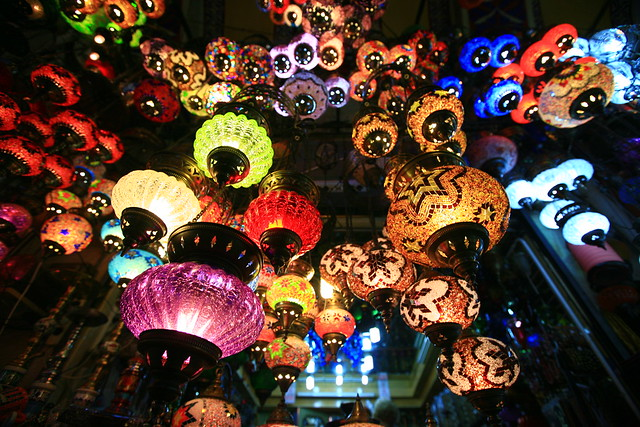 Lanterns in the Grand Bazaar by CC user laszlo-photo on Flickr