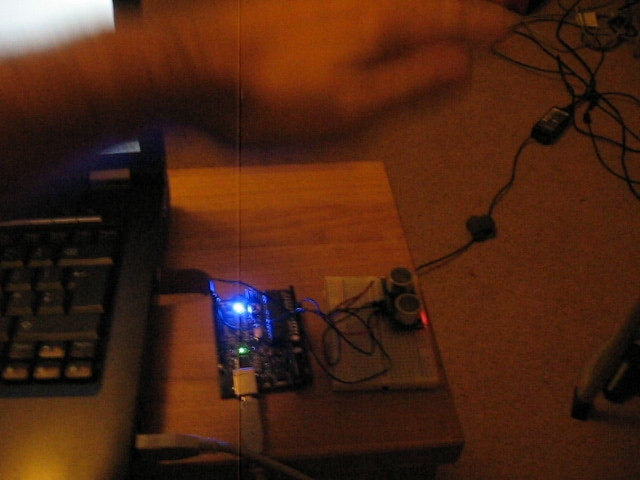 Piano theremin