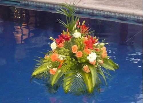 Arreglo salon con globos para boda kamistad celebrity - Arreglos con globos para boda ...