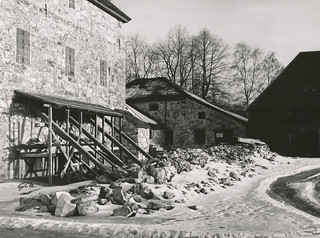 Image of Erkebispegården near Trondheim. norway norge vinter 60s archive norwegen archives noruega trondheim sørtrøndelag 1962 nidarosdomen noorwegen domkirka kongsgården trøndelag schrøder arkiv erkebispegården trondhjem trondheimkommune kristkirken trondheimbyarkiv trondhjemsdomkirke kongsgårdsgata torh40b15 t0582 f1056 kongsgårdsgata1 domkirkenitrondheim