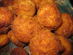 frying, deep frying, croquette, fried food, buã±uelo, cutlet, arancini, rissole, fritter, korokke, frikadeller, pakora, food, crispy fried chicken, dish, chicken nugget, cuisine, fast food,