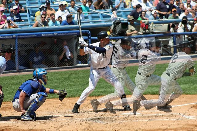 Derek jeter swinging