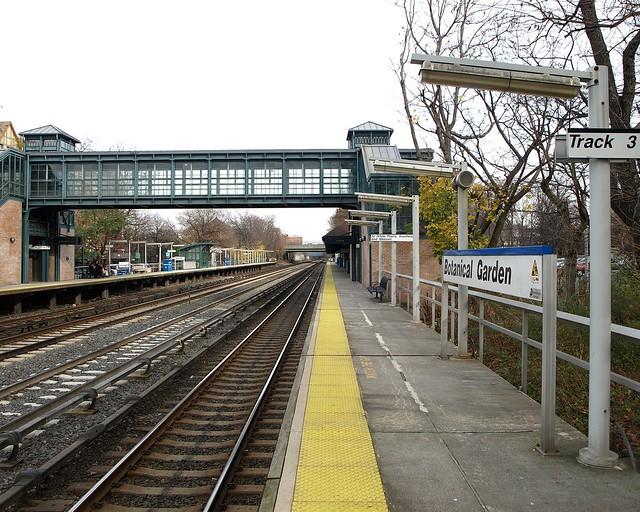 Metro North Train Station New York Botanical Garden Bronx Nyc Flickr Photo Sharing