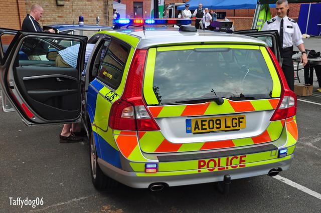 AE09 LGF Metropolitan Police CJS Volvo V70 D5 S AWD ANPR Rear | Flickr ...