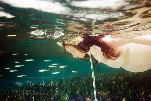 ocean fish girl underwater bahamas reflexions ophelia
