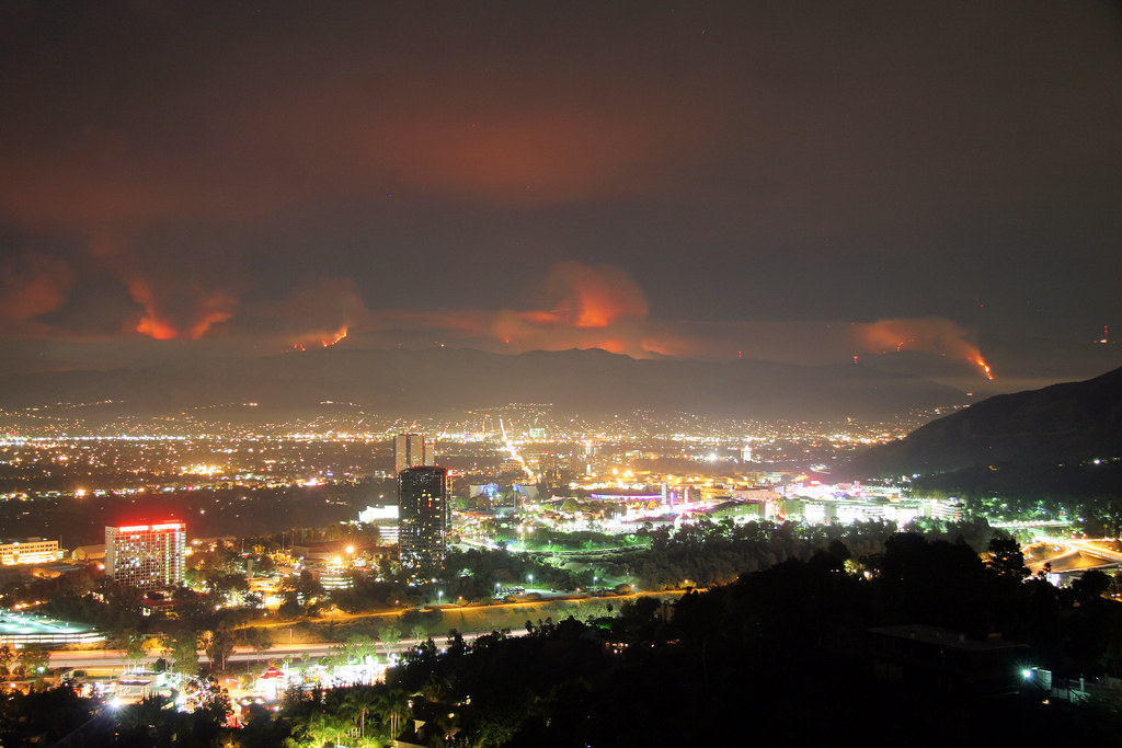 "The La Cañada Flintridge ""Station fire"" as viewed from Mulholland Drive in Los Angeles. Most of the brush has not burned in 60 years. by kjdrill"
