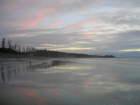 ocean pink blue sunset sea cloud mountain canada reflection beach water clouds sunrise island bc charlotte sunsets queen coastal pacificnorthwest coastline serene patty simple favs minimum haidagwaii landandsea queencharlotteisland mountainsandwater haccactstraight pattysfavs hadaigwaii cloudandwater