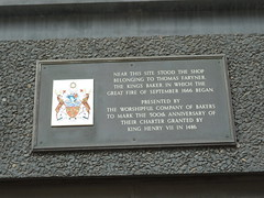 Photo of Thomas Faryner and Great Fire of London brown plaque