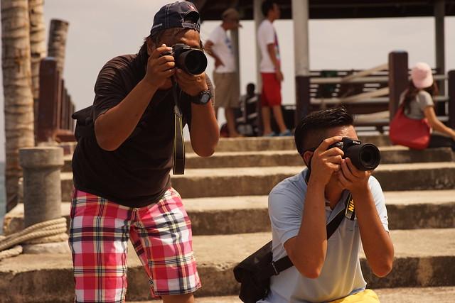 Shooting back (Elmarit-M 90mm f2.8 + Sony A7)