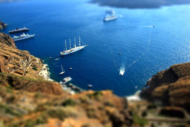 Santorini Cruise Liners